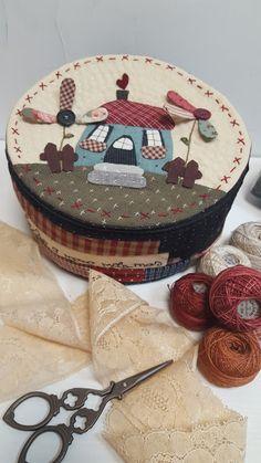 Wool Applique Patterns, Hand Applique, Applique Quilts, Applique Designs, Quilt Patterns, Japanese Patchwork, Crazy Patchwork, Patchwork Bags, Quilted Bag