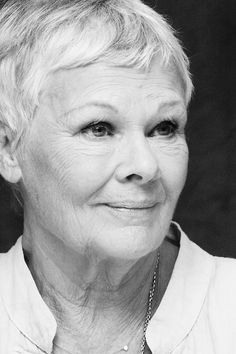 Judi Dench, a wonderful actress, I love her down to earth approach and her witty sense of humour. Judi Dench, Judy Dench Hair, Divas, I Look To You, Portraits, Aging Gracefully, Grey Hair, Famous Faces, Role Models