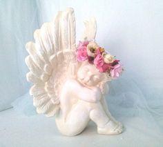 Preço da unidade Anjos em Gesso pintura provençal c/flores fazemos em outras cores Medidas: 30 cm Altura x 20 cm Largura x 18 cm espessura