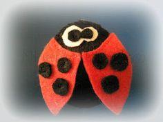 mariquita de fieltro // felt ladybug