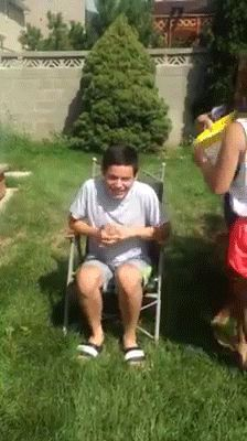 Haha!! David Archuleta doing the ice bucket challenge!!<-This may be my all time new favorite pin.......EVER!!!!!!