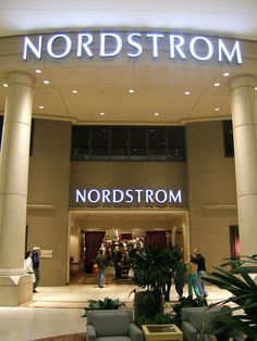 Get STUDENT DISCOUNTS at Nordstrom !!! ...why am I just now finding out about this?!