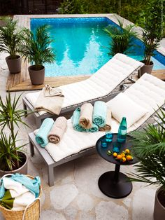 Swimming Pool Ideas : Morgonstund har guld i mund Ikea Outdoor, Outdoor Spaces, Outdoor Living, Outdoor Decor, Ikea Towels, Ikea Garden Furniture, Townhouse Garden, Rooftop Patio, Container House Design