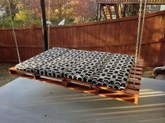 New Pallet Furniture Outdoor Cushions Diy Patio Ideas - All For Garden Pallet Furniture Outdoor Cushions, Pallet Garden Furniture, Rustic Furniture, Diy Furniture, Outdoor Pallet, Furniture Projects, Furniture Plans, Wooden Pallet Projects, Wooden Pallets