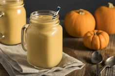 Check out my semi-healthy chocolate pumpkin smoothie recipe Energy Smoothies, Good Smoothies, Fat Burning Smoothies, Weight Loss Smoothies, Coffee Detox, Banana Nice Cream, Pumpkin Pie Smoothie, Milk Alternatives, Best Smoothie Recipes
