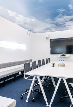 Apricus Sisustussuunnittelu - Julkiskohteet Work Office Design, Conference Room, Interior Design, Table, Furniture, Home Decor, Nest Design, Decoration Home, Home Interior Design