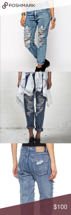 One Teaspoon Cobain Super Baggies Low waist drop rise relaxed jean. Raw double folded twisted cuff with option to unroll. Straight fit across hip with slightly tapered leg. Heavy open distressing through front panels. Mostly heavily distressed through the front panels. Can be sized down to be worn mid to high waist if preferred but are designed to be low slung and relaxed through the leg. I sized down to wear highwaisted - I normally wear a 26. NWT - Reasonable offers only. One Teaspoon…