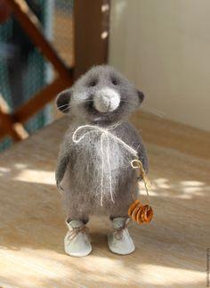 Купить Мышь домашняя - мышка, мышка из шерсти, мышонок из шерсти, валяная игрушка, валяная мышка