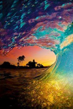 Rainbow sunset barrel #surf #beautiful