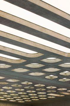 zaha hadid: london aquatic center now complete