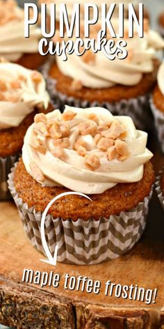 Fall spiced pumpkin cupcakes topped with cream cheese frosting that's been flavored with maple and toffee! Pumpkin Crunch Cake, Pumpkin Cupcakes, Baked Pumpkin, Yummy Cupcakes, Spiced Pumpkin, Pumpkin Dessert, Pumpkin Spice, Perfect Cupcake Recipe, Cupcake Recipes