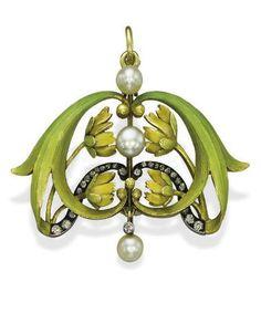 Art Nouveau brooch/pendant, gold, opal, diamond and pearl, circa 1900 Bijoux Art Nouveau, Art Nouveau Jewelry, Jewelry Art, Antique Jewelry, Vintage Jewelry, Fine Jewelry, Jewelry Design, Antique Art, Diamond Brooch