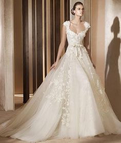 #Dream Wedding, glamour, #wedding dresses
