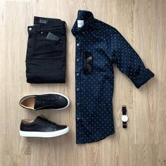 Breathtaking 35 Capsule Wardrobe Approved Outfit Grid for Men Mode Outfits, Fashion Outfits, Fashion Flatlay, Fashion Belts, Casual Wear, Men Casual, Mens Casual Shirts, Men's Casual Outfits, Man Style Casual