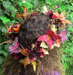 Butterflies wreath by Conversations with the Muses: Halloween Karneval, Halloween Kostüm, Halloween Costumes, Fairy Costumes, Beltane, Looks Hippie, Fairy Dress, Fairy Hair, Hair Wreaths