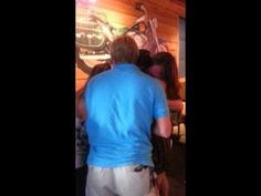 [VIDEO] Soldier Returns from Afghanistan, Surprises Entire Family at Restaurant
