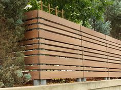 fence ideas for dogs / fence ideas _ fence ideas cheap _ fence ideas front yard _ fence ideas for dogs _ fence ideas cheap privacy _ fence ideas modern _ fence ideas diy _ fence ideas cheap diy Modern Wood Fence, Wood Fence Design, Modern Fence Design, Privacy Fence Designs, Privacy Fences, Modern Fence Panels, Wooden Fences, Patio Fence, Front Yard Fence