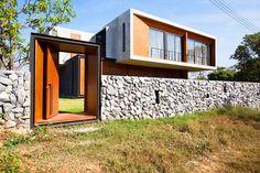 Memanfaatkan batu sebagai pagar rumah ~ Teknologi Konstruksi Arsitektur