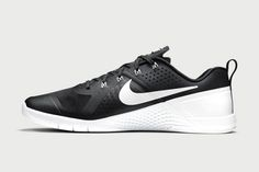 Nike Metcon 1 Outfitted In Classic Black & White