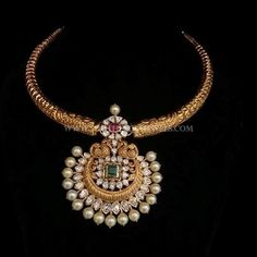 Gold Antique Necklace From Bhavani Jewellers ~ South India Jewels Real Gold Jewelry, Gold Jewelry Simple, Gold Wedding Jewelry, Indian Jewelry, Bridal Jewellery, Indian Necklace, Gold Earrings Designs, Gold Jewellery Design, Gold Designs
