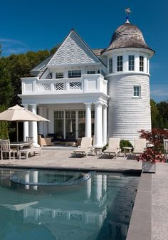 One of my dream houses / white & at the beach with a own swimmingpool and a warm interior ....