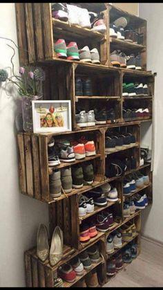 Schuhregal ähnliche Projekte und Ideen wie im Bild vorgestellt findest du auch … Shoe rack similar projects and ideas as shown in the picture you can also find in our magazine (Diy Storage) Cheap Home Decor, Diy Home Decor, Diy Shoe Rack, Pallet Shoe Racks, Shoe Rack For Porch, Shoe Rack Out Of Pallets, Homemade Shoe Rack, Wooden Shoe Organizer, Build A Shoe Rack