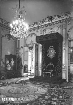 La salle du trône de l'ambassade d'Espagne, avenue Georges-V. Paris (VIIIème arr.).