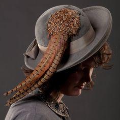 Vintage 1960s Pheasant Feather Hat Grey Wool by AlexSandras, $89.00