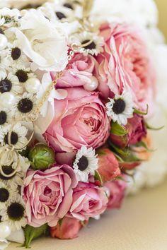 Designer  Floristik Brautstrauß als Tasche wie bei Coco Chanel