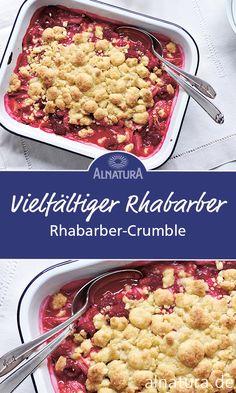 So muss ein #Crumble schmecken! Säuerlicher #Rhabarber gepaart mit süßen Himbeeren unter einer Decke aus knusprig gebackenen, buttrigen Streuseln. #Alnatura #rezept #rhubarb #auflauf