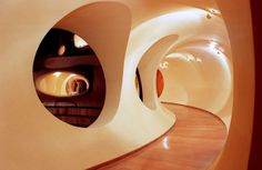 cool hobbit style house design.  Pierre Cardin Bubble house