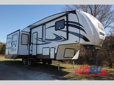 New 2018 Forest River RV Sabre 27RLT Fifth Wheel at Fun Town RV | Cleburne, TX | #143314