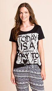 Camiseta en negro / blanco My Style, T Shirt, Tops, Women, Fashion, White People, Black, Black T Shirt, Sustainable Fashion