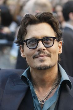 Johnny Depp Suffers Hand Injury While In Australia For Pirates 5