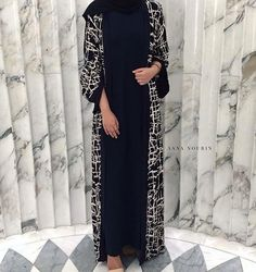 Image about abaya in Hijabi by Sênïôrînà Imâ on We Heart It Modest Outfits Muslim, Modest Wear, Muslim Dress, Hijab Dress, Hijab Outfit, Islamic Fashion, Muslim Fashion, Modest Fashion, Fashion Dresses