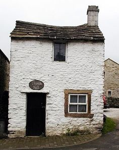 Thimble Hall, Derbyshire, England  This tiny 18th century house is acknowledged by the Guiness Book of records as the smallest detached house in the World