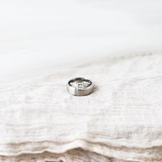 awesome vancouver wedding Rob & Erica said their I do's yesterday and tied the knot with these beautiful rings. #drescherandsheen #married #tiedtheknot by @cpienaarphoto  #vancouverwedding #vancouverweddingjewellery #vancouverwedding