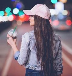 Ideas of poses for a day of selfies for your city, photoshoot Photo Pour Instagram, Instagram Pose, Instagram Makeup, Shotting Photo, Foto Casual, Urban Looks, Insta Photo Ideas, Girl Photography Poses, Photography Reflector