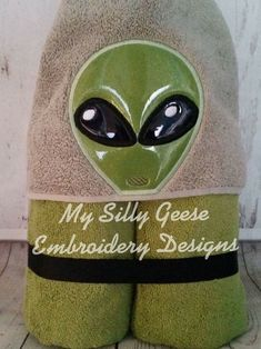 Both & Alien Peeker - My Silly Geese Kids Hooded Towels, 4x4, Machine Embroidery, Embroidery Designs, Let It Be