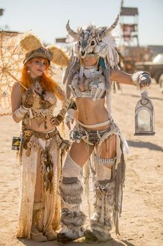 postapogirls: Vivid Vivka and Jessica Nigri at Wasteland.You can find Jessica nigri and more on our website.postapogirls: Vivid Vivka and Jessica Nigri at Wasteland. Moda Burning Man, Burning Man Mode, Jessica Nigri Cosplay, Moda Steampunk, Steampunk Fashion, Wasteland Weekend, Wasteland Party, Post Apocalyptic Fashion, Post Apocalyptic Clothing