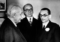 Kurt Gödel (1906-1978)  Mathematician, immigrated 1940 (2nd from right)  Mathematiker, eingewandert 1940 (2. von rechts)  (AP Photo)