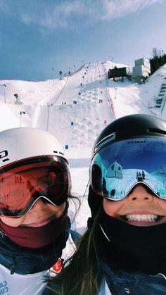 See more of maiaschwing's VSCO. Cute Friend Pictures, Best Friend Photos, Best Friend Goals, Mode Au Ski, Go Skiing, Ski Season, Ski And Snowboard, Snowboarding Style, Ski Ski