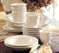 Tips on finding big brand dishes {like Pottery Barn} for WAY less!