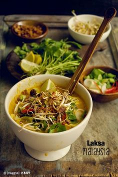 The second recipe under Vegetarian Asian food is Laksa. A yummy, spicy coconut base soup served with noodles and many other toppings. You can find Laksa in Malaysian, Singaporean and Indonesian cuisine Veggie Recipes, Asian Recipes, Soup Recipes, Vegetarian Recipes, Cooking Recipes, Healthy Recipes, Ethnic Recipes, Vegetarian Cookbook, Asian Desserts