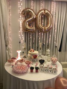 Birthday Ideas Decoration 33 Ideas For 2019 Birthday Goals, Gold Birthday Party, Birthday Balloons, Diy Birthday, Birthday Parties, Birthday Ideas, 21st Bday Ideas, Birthday Table Decorations, Happy 20th Birthday