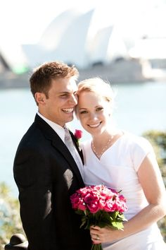 Cute wedding picture and pose