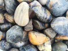 Kora kamienna otaczana - Zobaczcie nasze realizacje na www.hanwil.pl biuro@hanwil.pl tel: 667 083 023 Oferujemy marmur, granit, kwarcyt, wapień, gnejs oraz wszelkiego rodzaju kamienie dekoracyjne.