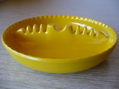 Vintage Retro Melamine Yellow Ash Tray – FleaPop – Buy and sell home decor, furniture and antiques