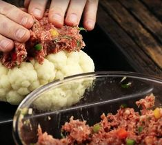 We are sure that you have never eaten cauliflower in this way. When you cut the first portion, your mouth will water Vegetable Recipes, Meat Recipes, Healthy Recipes, Food Menu, Easy Cooking, My Favorite Food, Food Inspiration, Love Food, Foodies