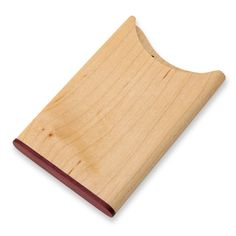trace/木の名刺入れ メープル×パープルハート 3990yen 2種類の木の味わいを楽しむ薄型名刺ケース